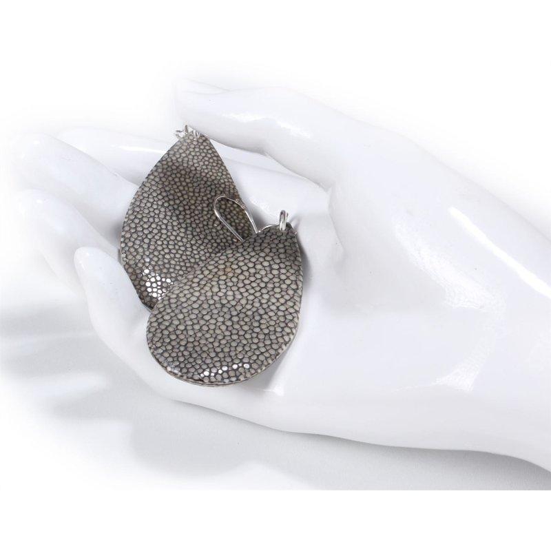 Felex Ohrringe aus Rochenleder dunkelgrau (dark grey) br
