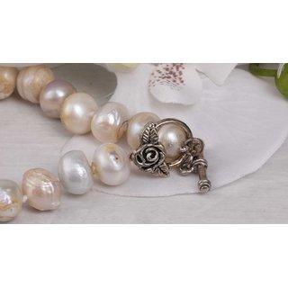 Halskette White colored oval round irreg. shape fresh water Pearl 13mm / 47cm