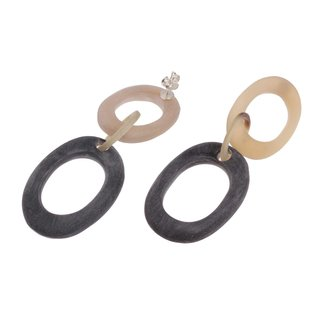 Ohrringe gefertigt aus White Horn and Black matted oval ring with Ear studs silver 30-40mm